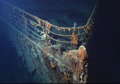 s_Titanic_wreck_bow.jpg